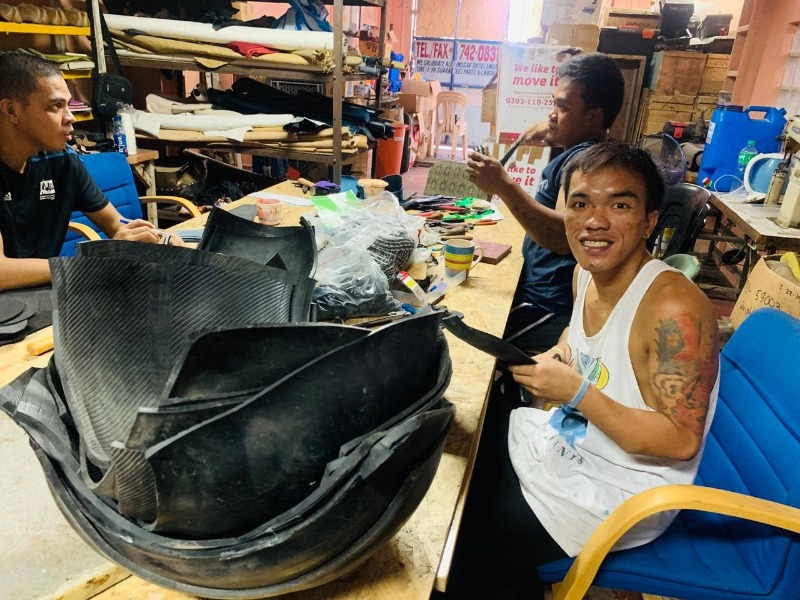 When you choose Ziran sandals you choose sustainably made, hand made, upcycled and eco-friendly. Each sandal is made by someone special like John here in a community in Manila, Philippines. And each item helps to generates positive impact to the community and the planet.