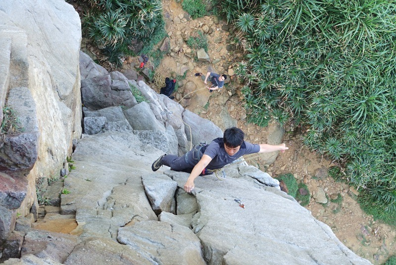 Stoked to see Elvin at Dragon Boat wall getting out leading some outdoor climbs in Taiwan. 我們很開心可以一起攀岩跟 Elvin 去外面第一次在龍船