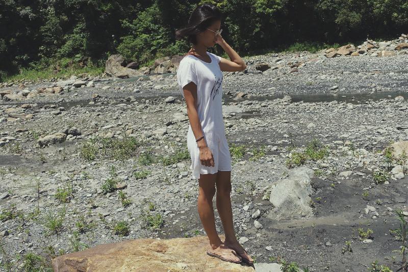 仔細一回想,才發現我的 Ziran 拖鞋竟然已經陪我超過兩年了!它帶著我一起上山、溯溪、去海邊,也陪著我一起走遍各國。以前不喜歡穿拖鞋走太遠,因為腳底板容易痛;但是 Ziran 拖鞋都不會有這個問題!感謝 Noah 還有耐走又耐久的 Ziran 拖鞋! Anting Liu –Surfer/ Developer